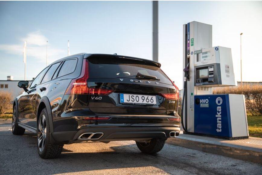 Uusissa Volvoissa voi käyttää uusiutuvaa dieseliä