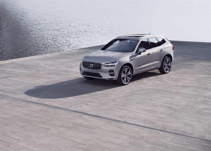 Volvo Carsin suosittu XC60-malli on nyt entistä älykkäämpi