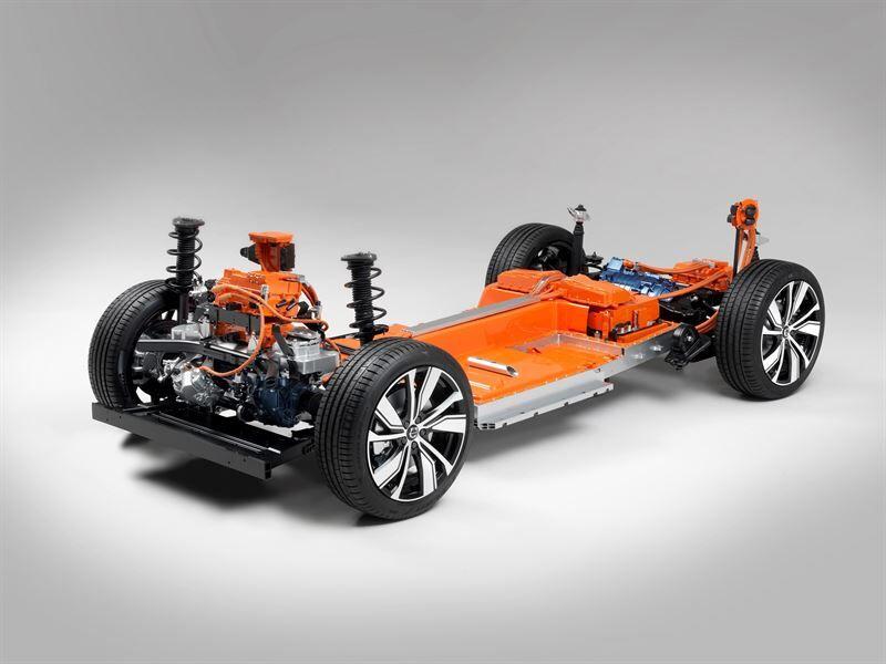 Täysin sähköinen XC40 – Volvon ensimmäinen sähköauto ja yksi maanteiden turvallisimmista autoista
